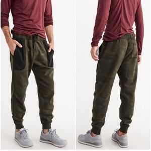 Abercrombie & Fitch camo jogger pants